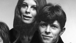 Hermione Farthingale y el aún, David Robert Jones en 1969