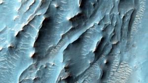 Imagen de las increíbles texturas del terreno en el cráter Gale de Marte