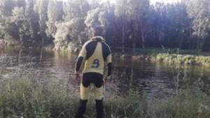 Imagen del operativo de rescate en el río Nalón