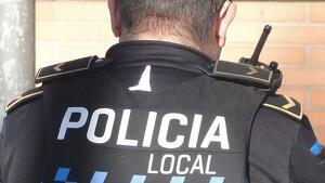 Imatge d'arxiu d'un agent de la policia local de Calafell.