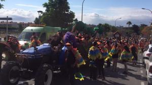 Imatge de la rua de lluïment de la Festa de Barris del 2016
