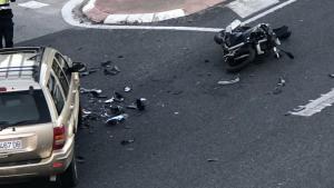 Imatge de l'accident on un motorista ha perdut la vida a l'N-340 a Cala Romana.