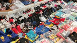 Imatge dels centenars d'objectes comissats al Vendrell