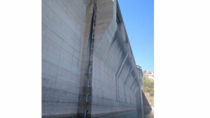 La presa del embalse de Entrepeñas, en Sacedón (Guadalajara)