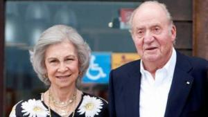 La reina Sofia, el rei Joan Carles i la infanta Elena a Sanxenxo