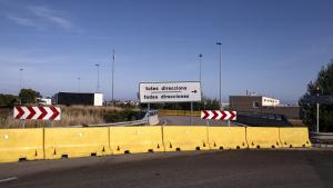 La rotonda té un tram tallat des del mes de juliol de 2018.