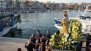 La tradició s'arrela al barri mariner amb l'arribada de les festes de la Mare de Déu del Carme