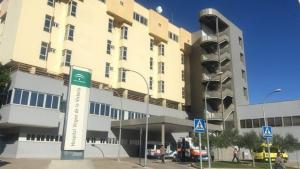 La víctima fue trasladada al Hospital Clínico Universitario Virgen de la Victoria