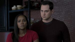 Matt McGorry y Aja Naomi King en 'Cómo defender a un asesino'