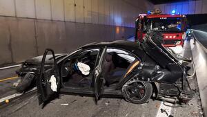 Mor un motorista en xocar amb un vehicle que va saltar la mitjana per un accident previ a la C-17