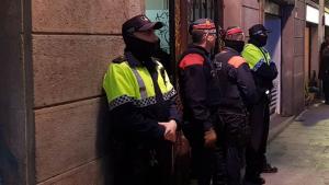 Mossos d'Esquadra i Guàrdia Urbana han desmantellat un narcopis al centre de Barcelona