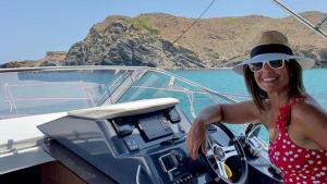 Nuria Roca en el yate alquilado durante sus vacaciones