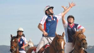 Torneig de bàsquet a cavall a Reus en el marc dels actes previs a la Fira de Sant jaume 2019