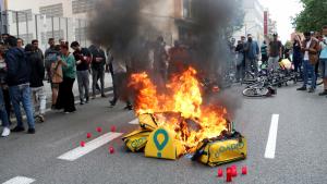 Treablladors de Glovo s'han manifestat per la mort del seu company a Barcelona