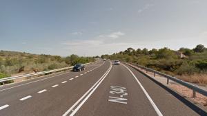 Un accident obliga a tallar dos carrils de la carretera N-340 al Perelló