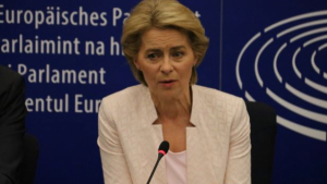 Ursula Von der Leyen, pròxima presidenta de la Comissió Europea, assegura que no ho ha pogut veure «en profunditat»