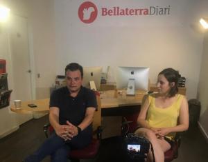 Víctor Francos i Laura Benseny a la redacció del BellaterraDiari