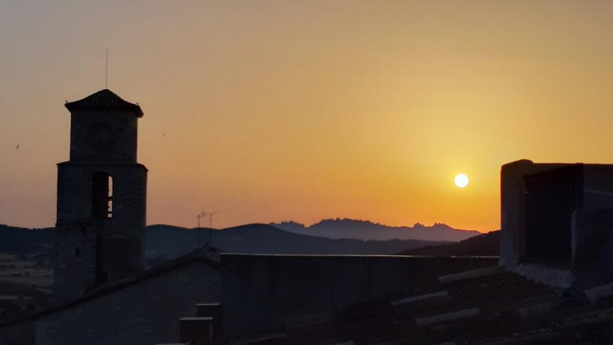 El sol y el calor normal para la época dominarán este inicio de semana