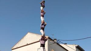 4de8 amb l'agulla descarregat de la Colla Jove Xiquets de Tarragona als Pallaresos