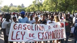 Al voltant de 300 persones s'han manifestat a Barcelona en contra del «racisme» i la «repressió»