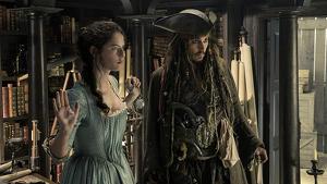 Carina Smyth y Jack Sparrow en 'Piratas del Caribe: La Venganza de Salazar'