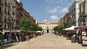 Diferents bars de Tarragona acumulen un deute amb l'Ajuntament de més d'un milió d'euros relacionat amb l'impost i la llicència de terrassa.