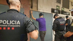 Dispositiu policial contra els carteristes al metro de Barcelona