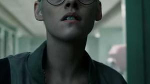 El nuevo look de Stewart en 'Underwater', de Wiliam Eubank (2019)