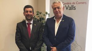El president de la Cambra de Comerç de Barcelona, Joan Canadell, amb el president de la Cambra de Valls, Josep M Rovira.