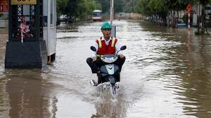 El tifó Wipha al seu pas per Vietnam