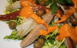 El xató, un emblema gastronòmic del Penedès.
