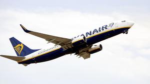 Els pilots de Ryanair a l'Estat convoquen vaga al setembre en protesta pel tancament de bases