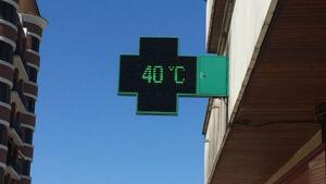 Els termòmetres han tornat a superar els 40º aquest dissabte a l'interior