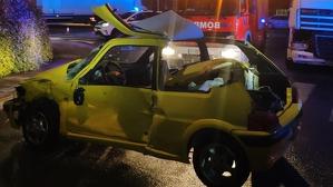 Estat en què ha quedat el cotxe accidentat en Fuente del Jarro (Paterna)