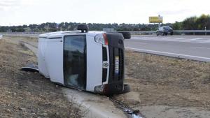 furgoneta bolcada