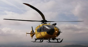 Helicòpter del GRAE sobrevolant el Parc Natural de Sant Llorenç
