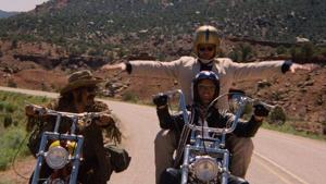 Hopper (izda.), Fonda (drcha.) y Nicholson en 'Easy Rider' (1969)