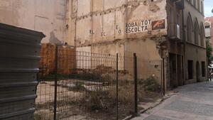 Imatge actual del solar del carrer de la Puríssima Concepció on es procedirà a enderrocar l'edifici número 12