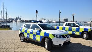 Imatge d'arxiu de dos vehicles de la Policia Portuària.