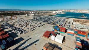 Imatge d'arxiu de la zona d'operacions logístiques del Port de Tarragona