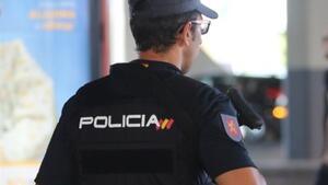 Imatge d'arxiu d'un agent de Policia Nacional