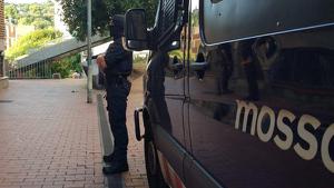 Imatge de l'operatiu antidroga dels Mossos d'Esquadra a Ciutat Meridiana