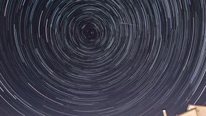 Imatge del cel estrellat aquests dies de pluja d'estels dels Perseids des del Moianès