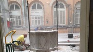 Imatge dels treballs que s'estan realitzant al Pati del Pou.