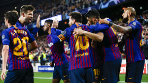Imatge d'un dels moments més emotius del partit del Barça d'ahir