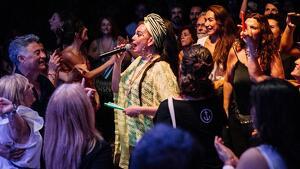 La cantant Marinah, del grup Ojos de Brujo, ha aconseguit un ple total a la sala