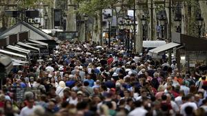 L'arribada d'estrangers acosta Catalunya als 8 milions d'habitants