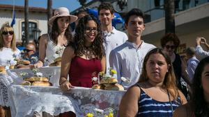 Les imatges de la Processó del Pa Beneït de la Festa Major de Roda de Berà