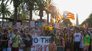 Les imatges de les manifestacions a favor i en contra de la independència a Salou