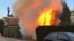 L'incendi afecta tres habitatges i cablejat telefònic del carrer Prat de la Riba de l'Espluga de Francolí